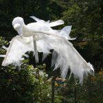 Plastic vogel getaped